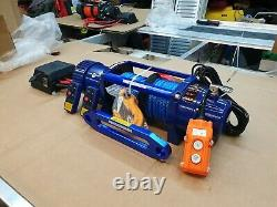 Recovery Truck 12v Electric Winches Synthetic Rope Couverture Gratuite @ £325.00 Inc Cuve